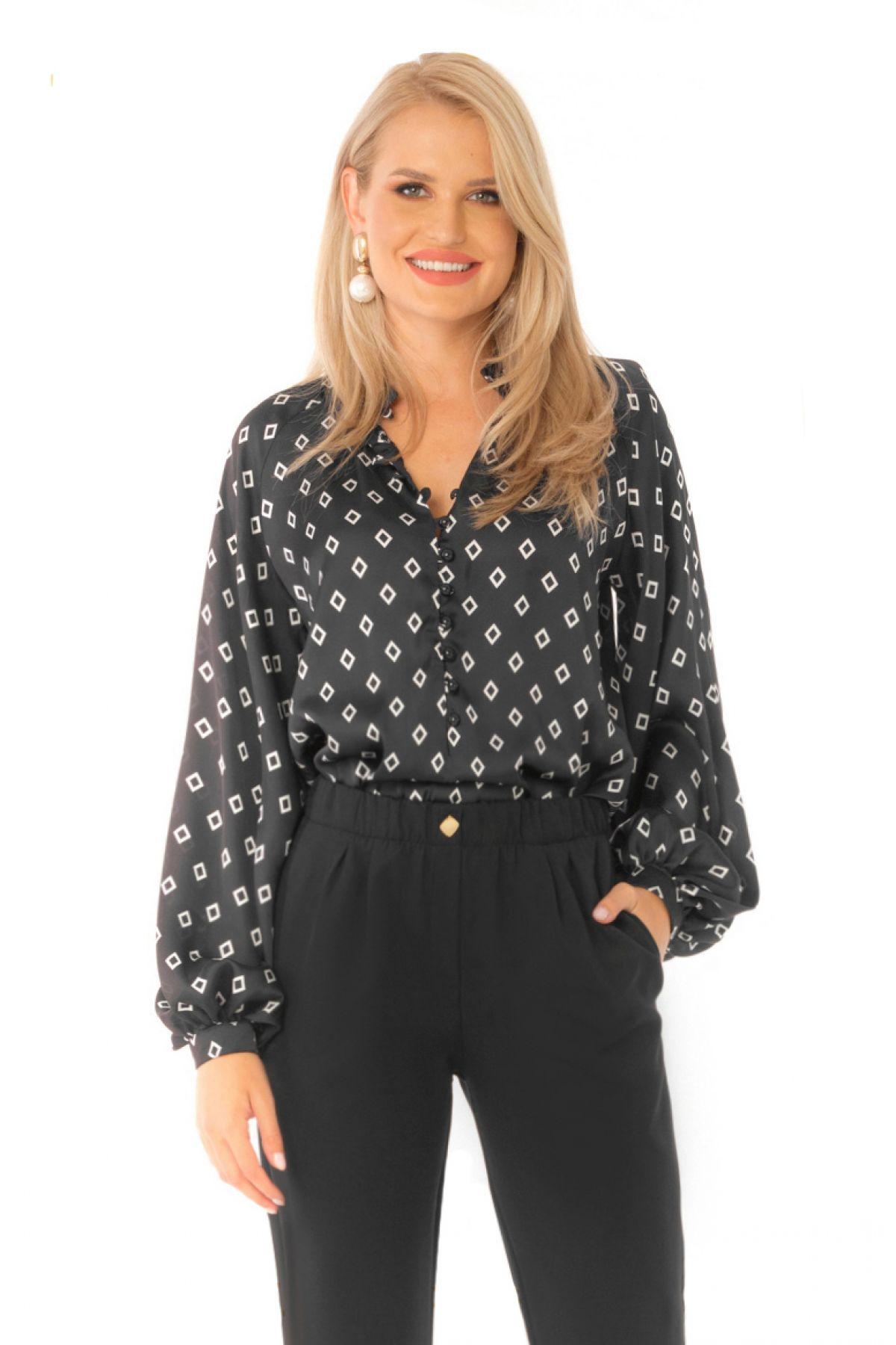 Bluza Pretty Girl eleganta neagra din voal cu imprimeu romburi