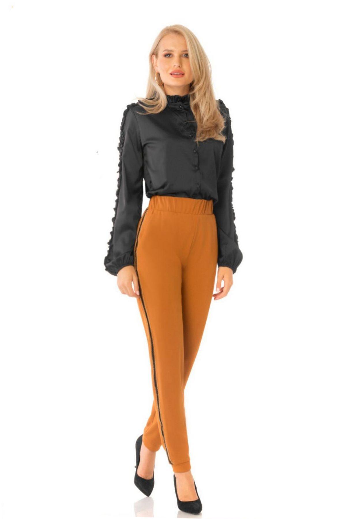 Pantaloni Pretty Girl camel cu vipusca si elastic in talie