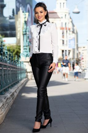 Pantaloni MBG negri din piele ecologica cu buzunare laterale si nervura