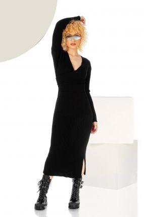 Rochie neagra din tricot cu maneca lunga si crapatura laterala