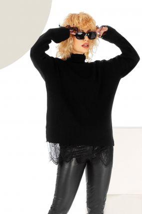 Pulover negru cu dantela aplicata si guler inalt