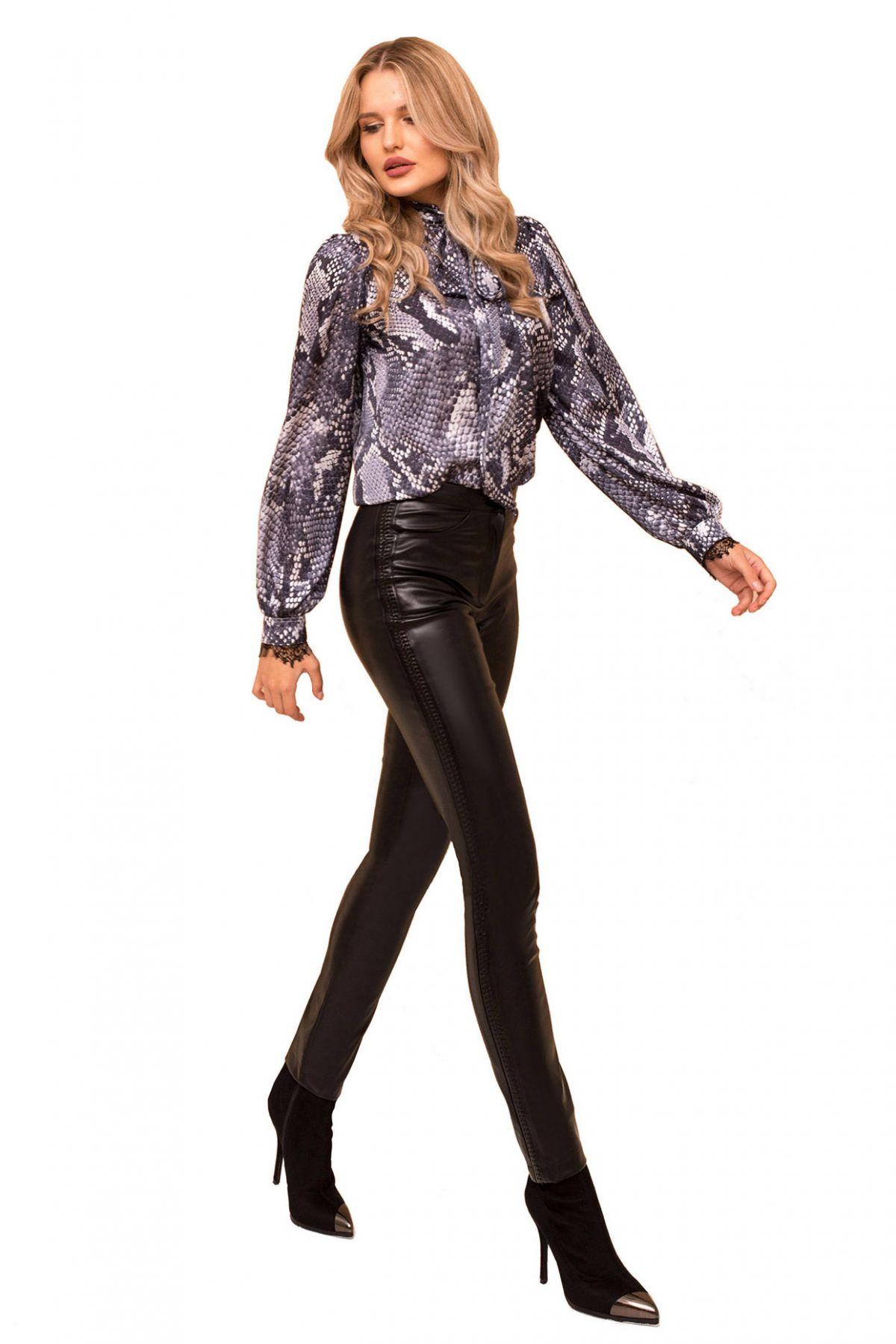 Pantaloni Pretty Girl negri din piele ecologica cu detalii impletite lateral