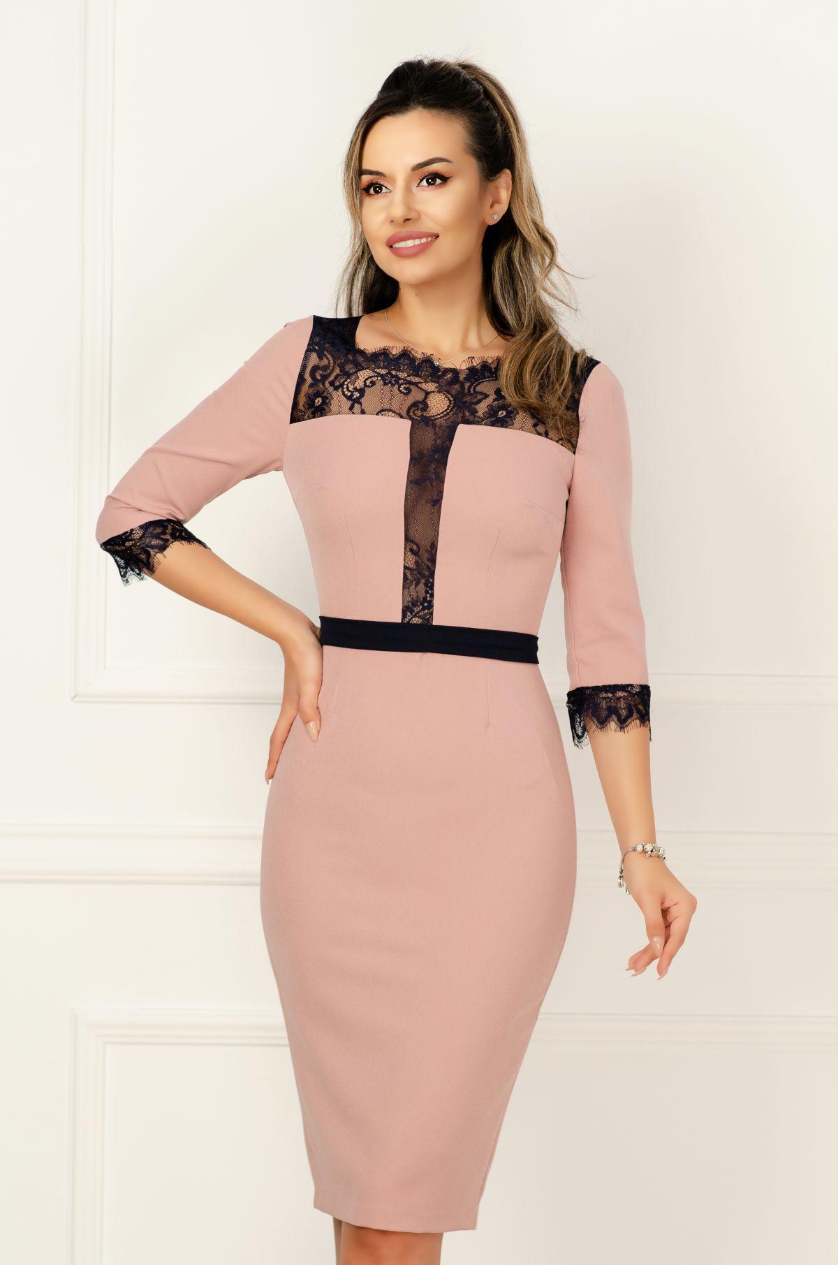 Rochie MBG eleganta de ocazie roz prafuit cu insertii de dantea bleumarin si talie marcata