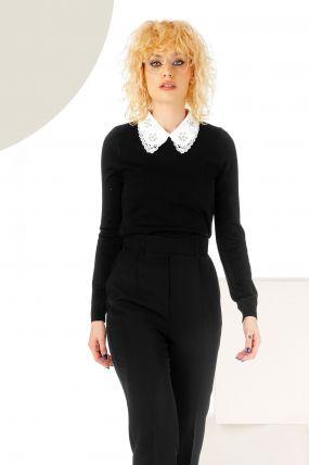 Pulover negru din tricot cu guler brodat si aplicatii
