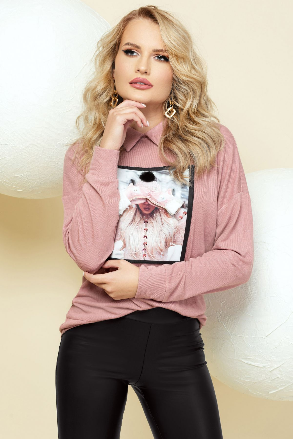 Pulover roz prafuit din tricot cu imprimeu in chenar