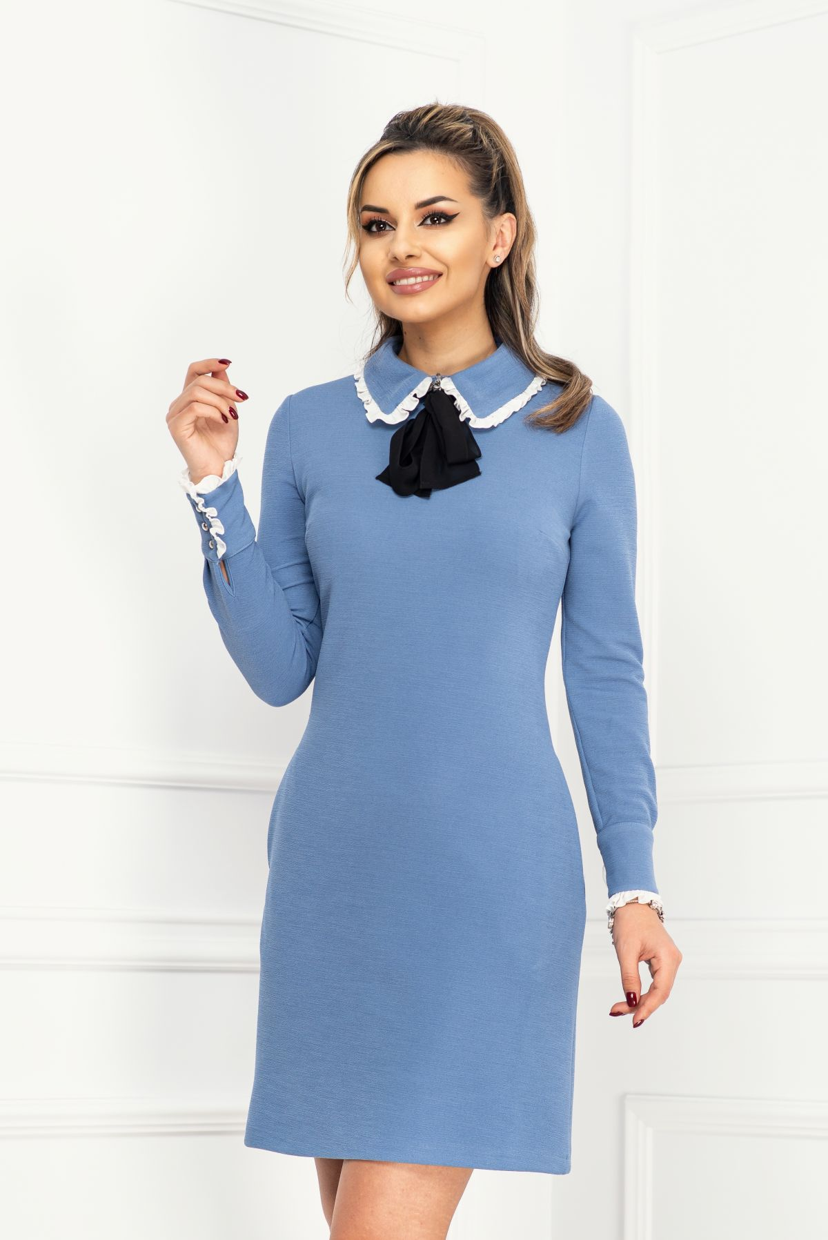 Rochie de zi bleu cu volanase din voal la guler si mansete InPuff