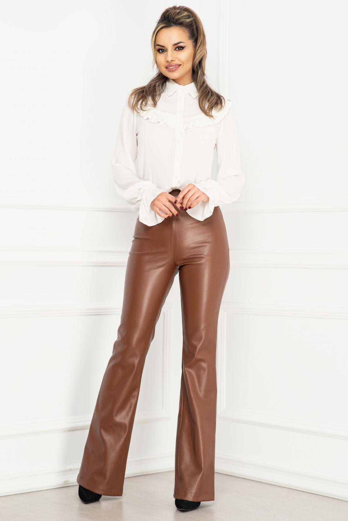 Pantaloni maro din piele ecologica evazati cu talie inalta