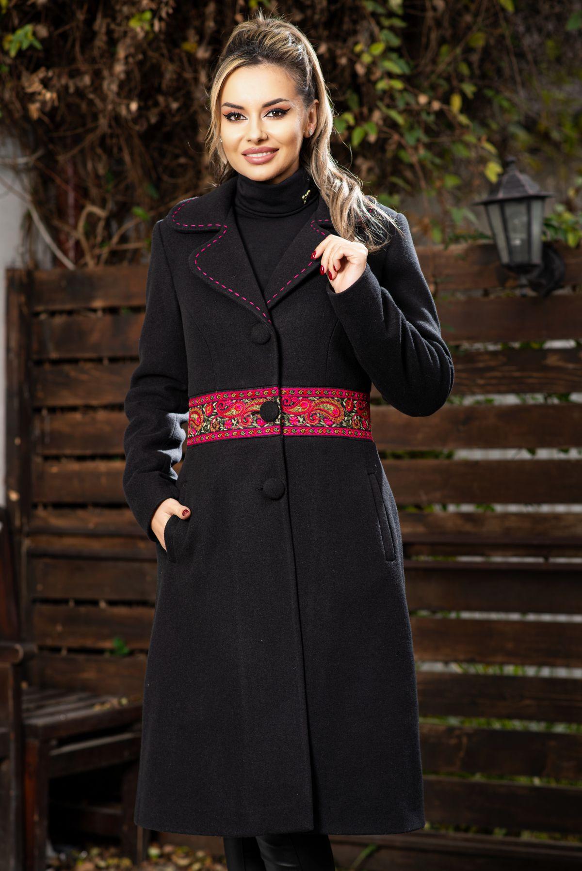 Palton negru elegant din stofa cu banda brodata in talie
