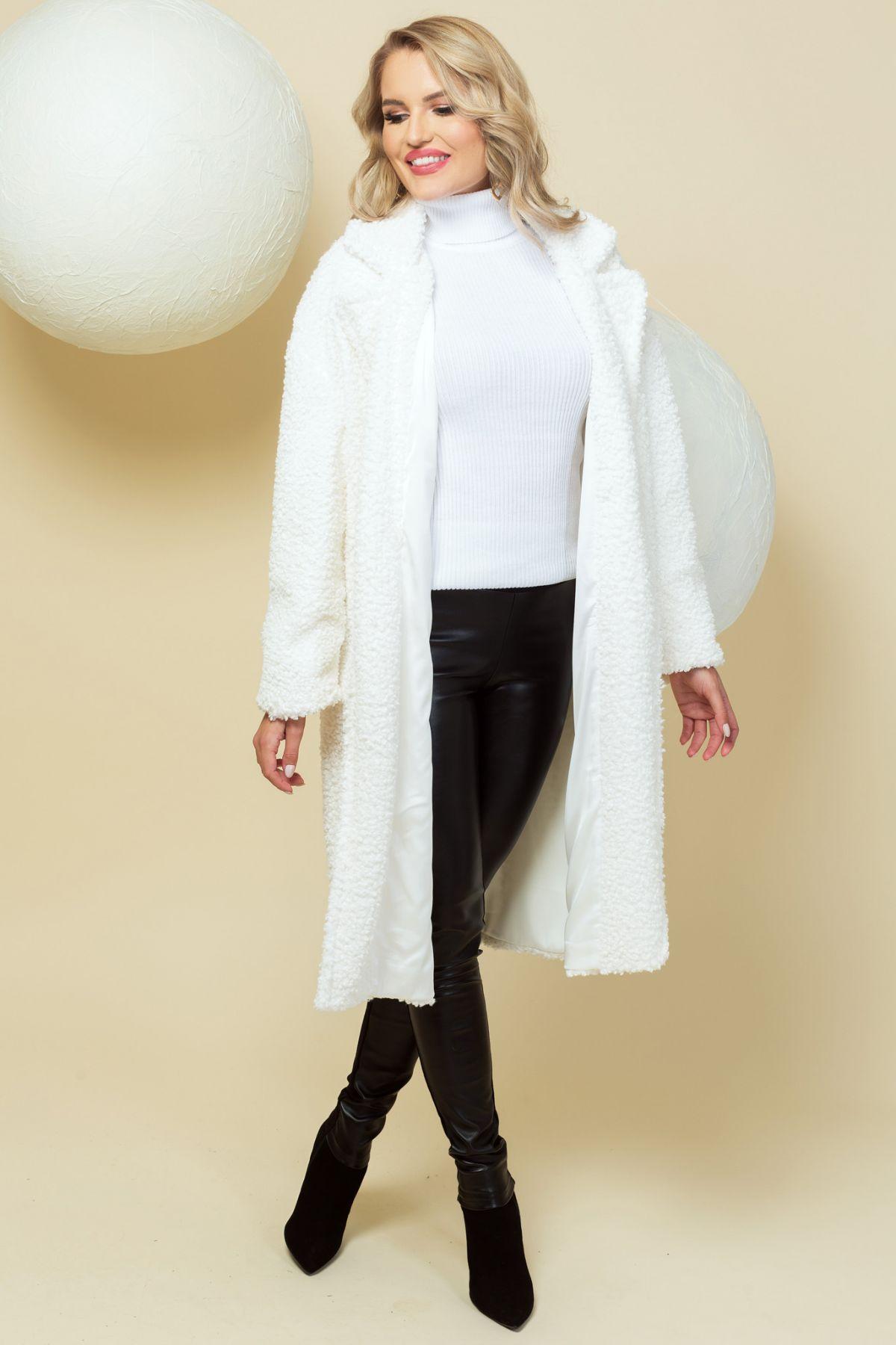 Palton modern alb oversize din bucle cu revere si buzunare laterale
