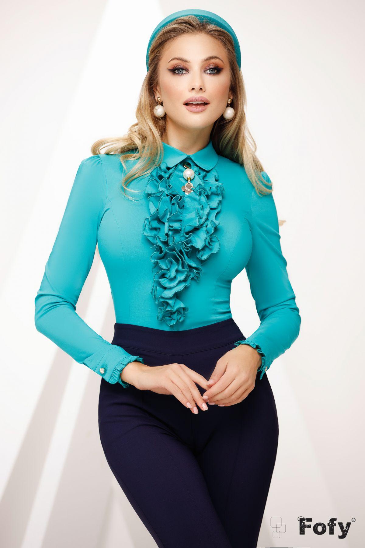 Camasa office cambrata turquoise cu jabou cret accesorizata cu brosa detasabila