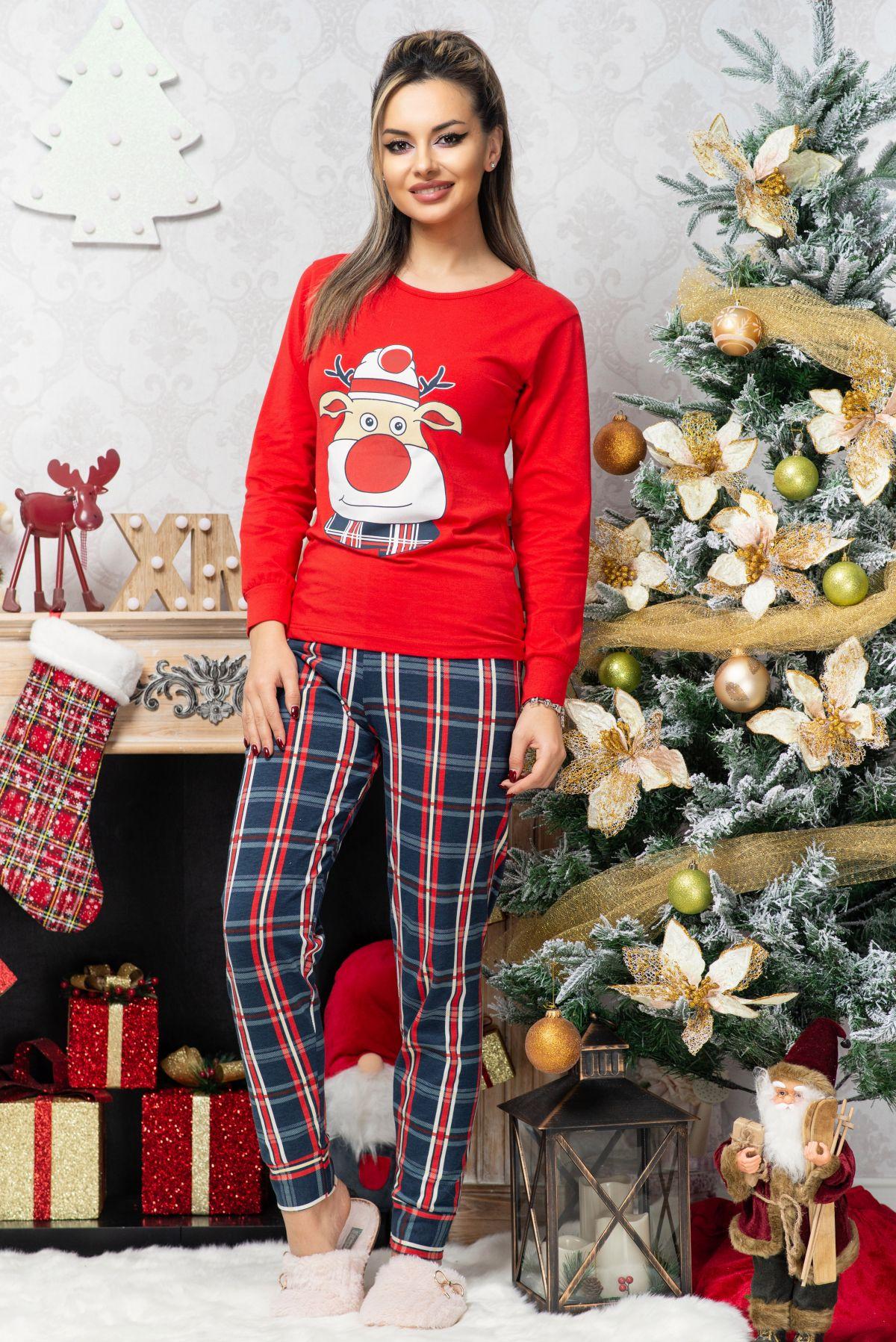 Pijama trendy din bumbac cu imprimeu ren si carouri