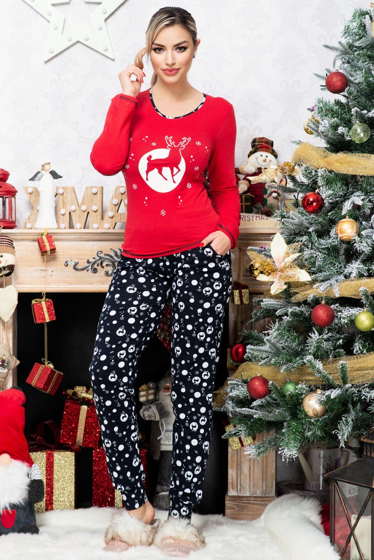 Pijama trendy bicolora cu imprimeu reni si fulgi de zapada