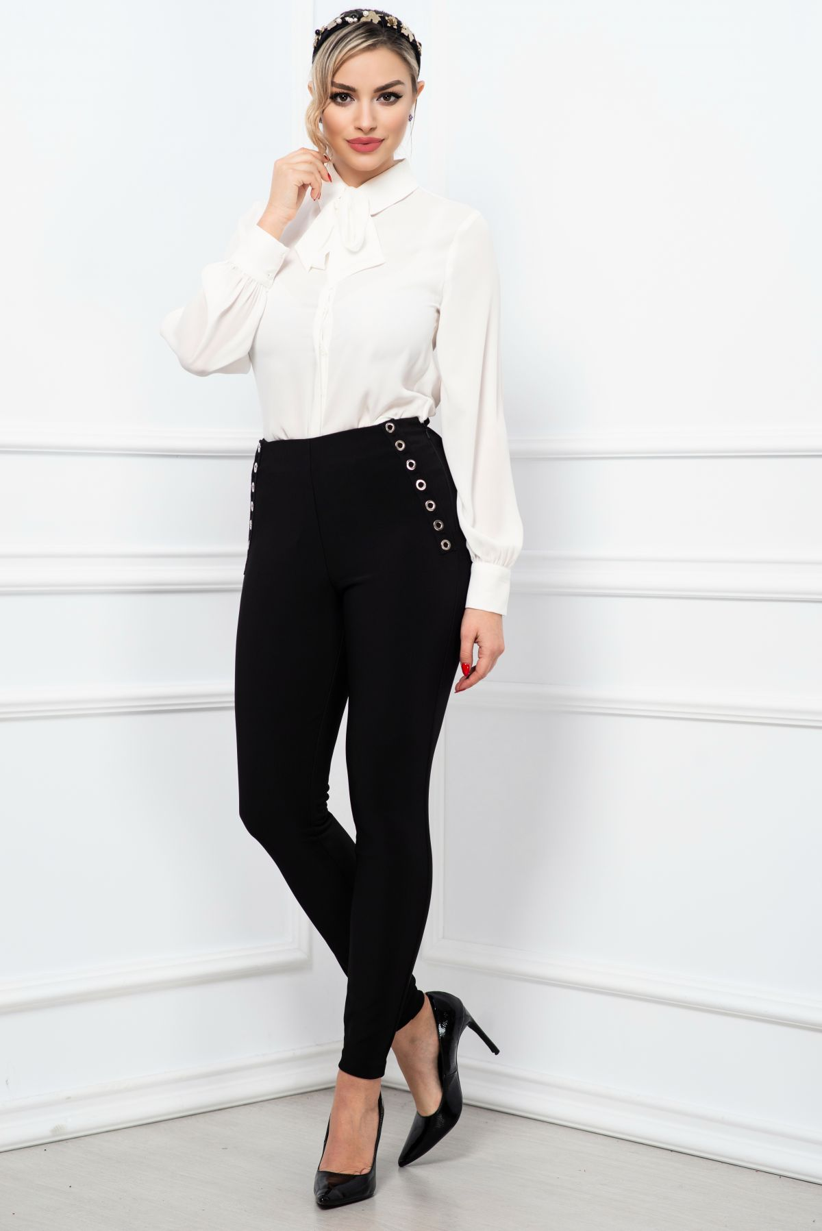 Pantaloni office negri cu talie inalta si capse decorative