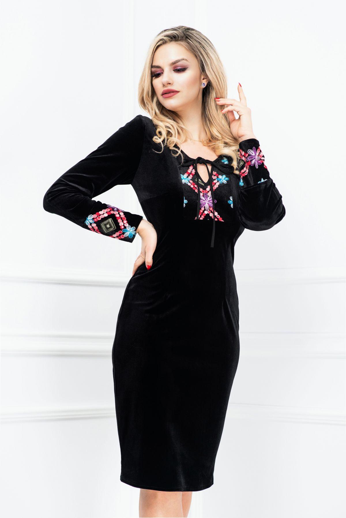 Rochie neagra din catifea cu broderie florala multicolora Moze