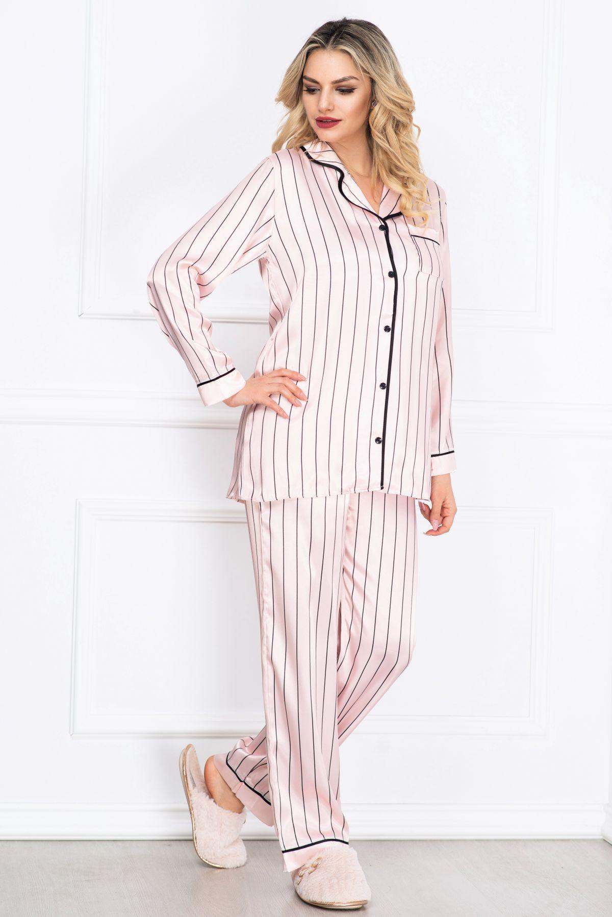 Pijama eleganta roz din satin cu imprimeu dungi si vipusca neagra