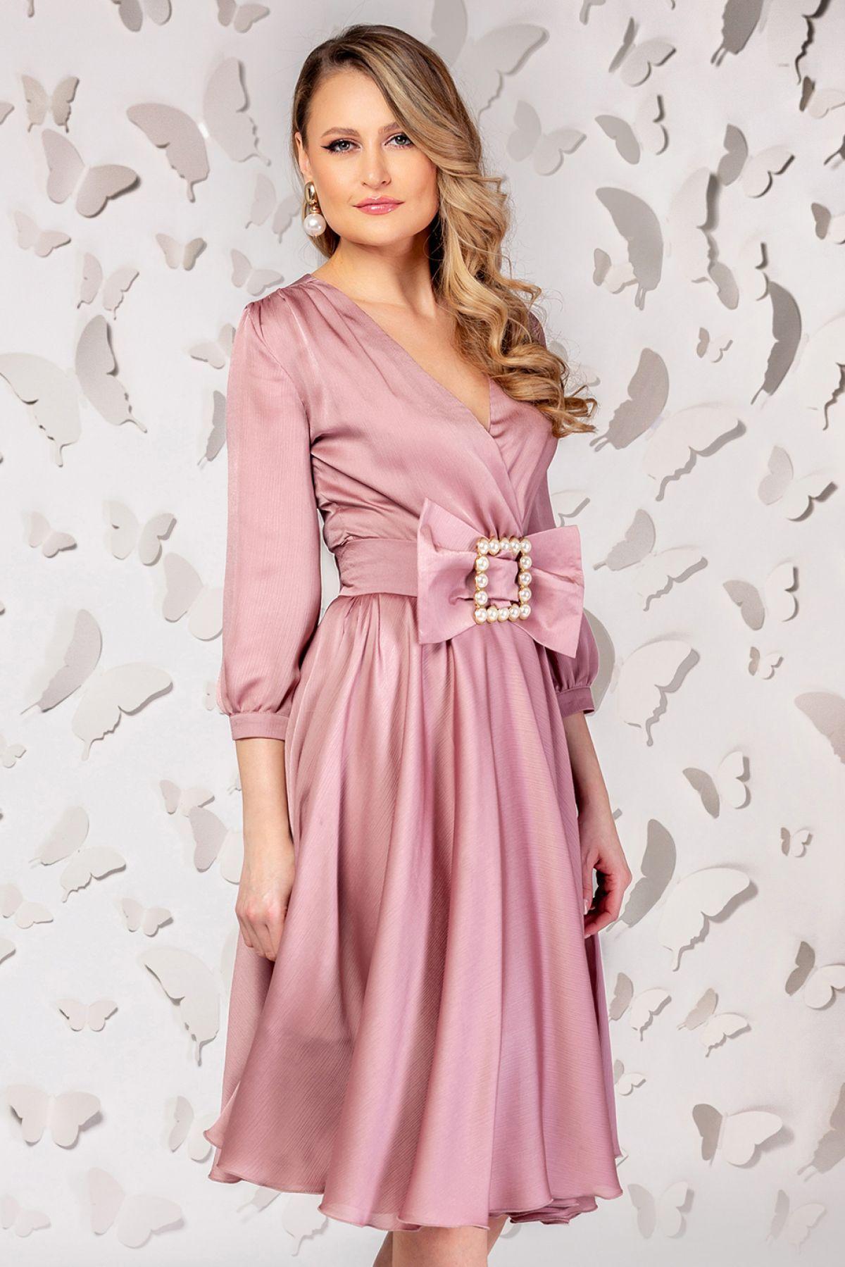 Rochie de ocazie Pretty Girl roz pudra in clos cu cordon tip funda