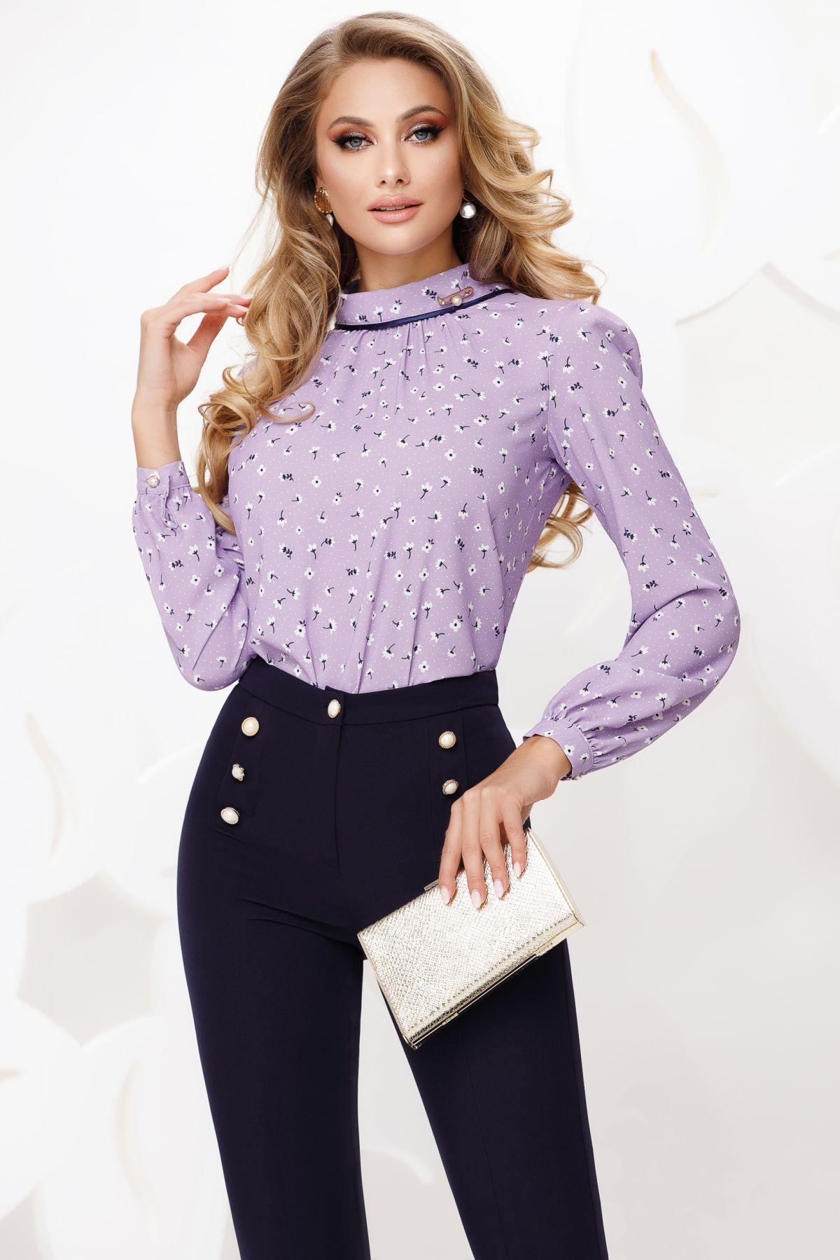 Bluza lila cu guler tip sal si imprimeu discret cu floricele
