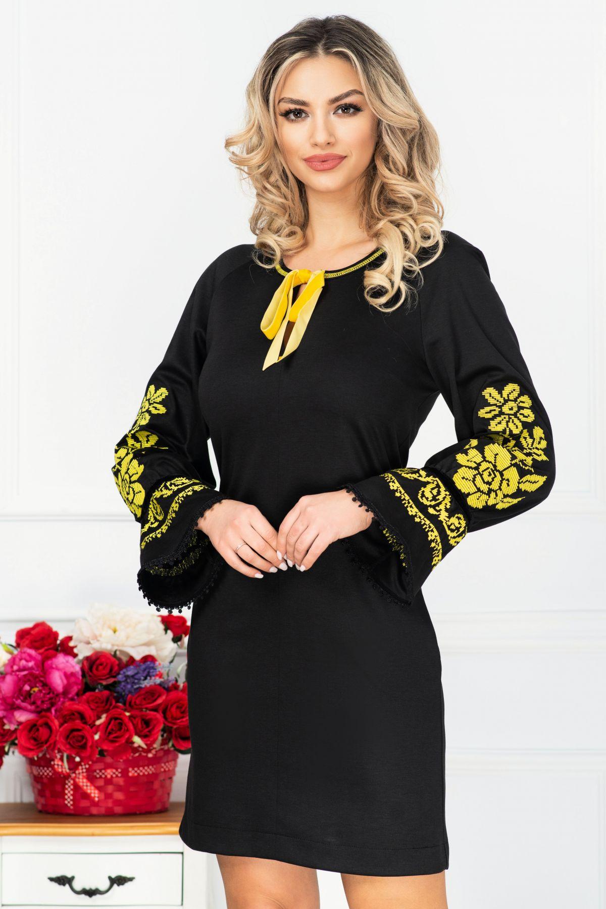 Rochie de zi neagra cu maneci brodate traditional
