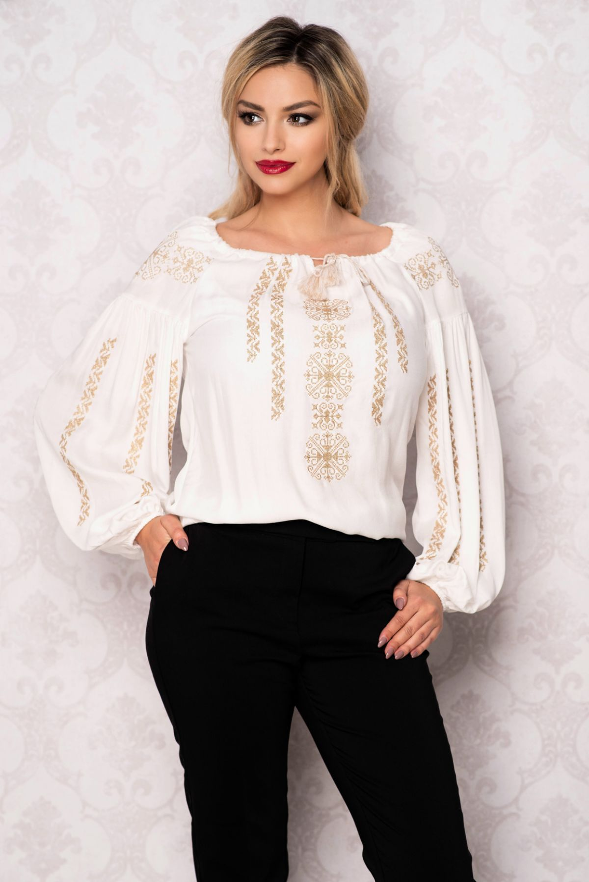 Bluza Effect ivoire tip ie cu broderie aurie