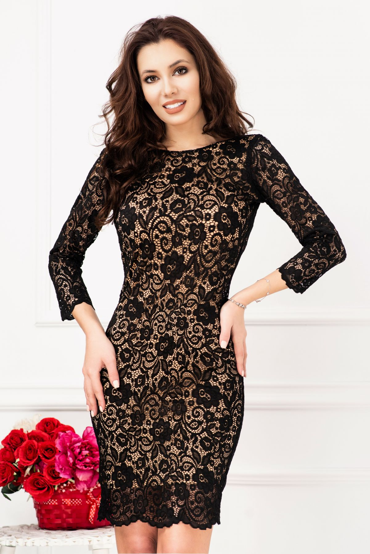 Rochie de ocazie eleganta din dantela neagra