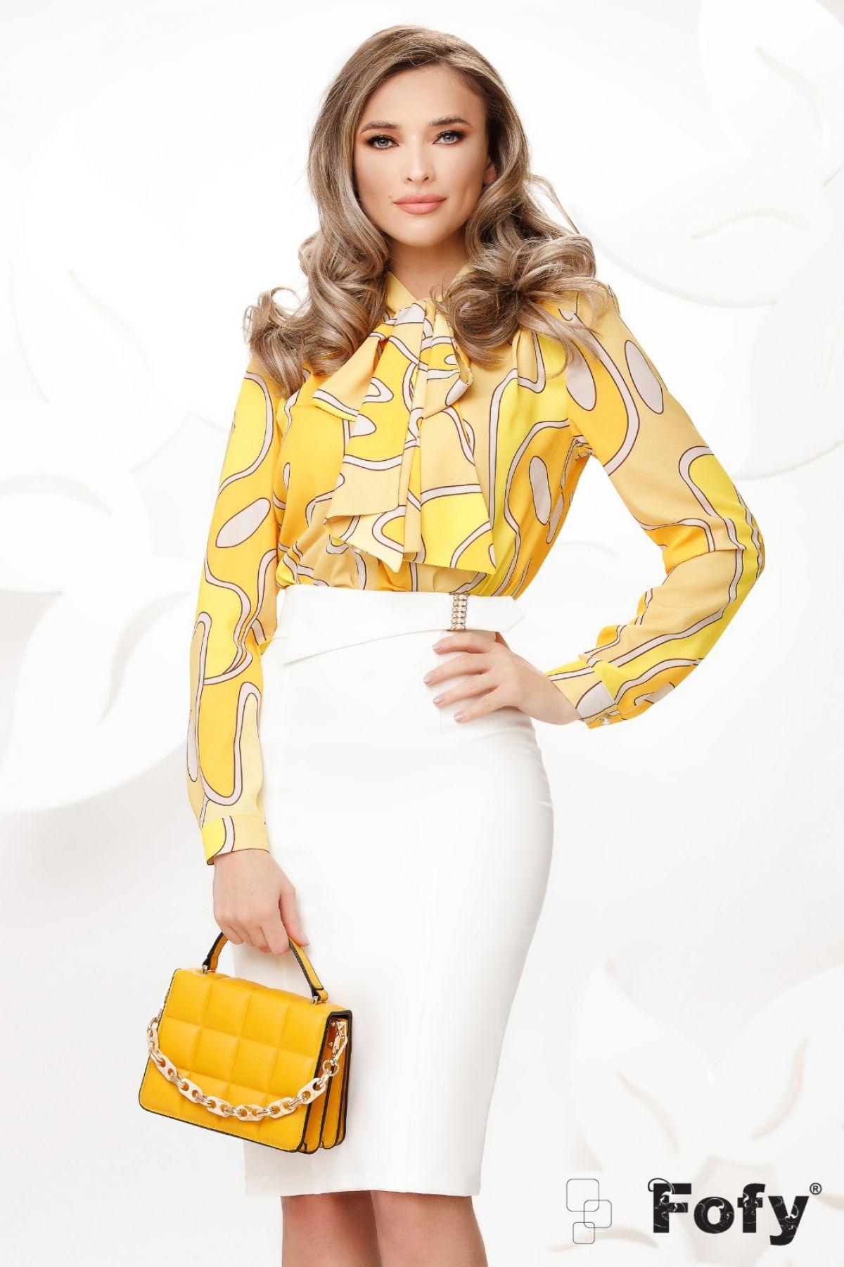 Bluza eleganta galbena cu imprimeu geomatric si funda maxi