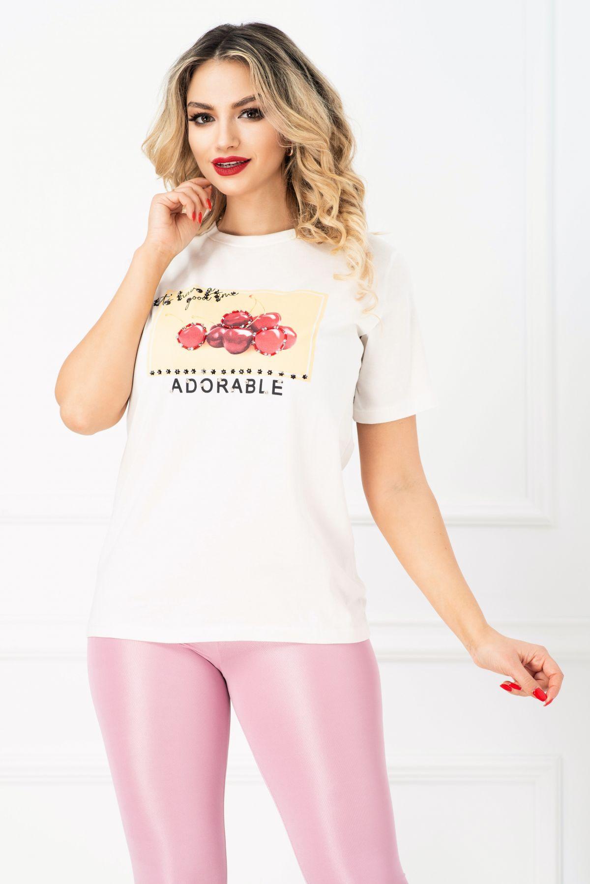 Tricou alb cu imprimeu cirese si strasuri aplicate