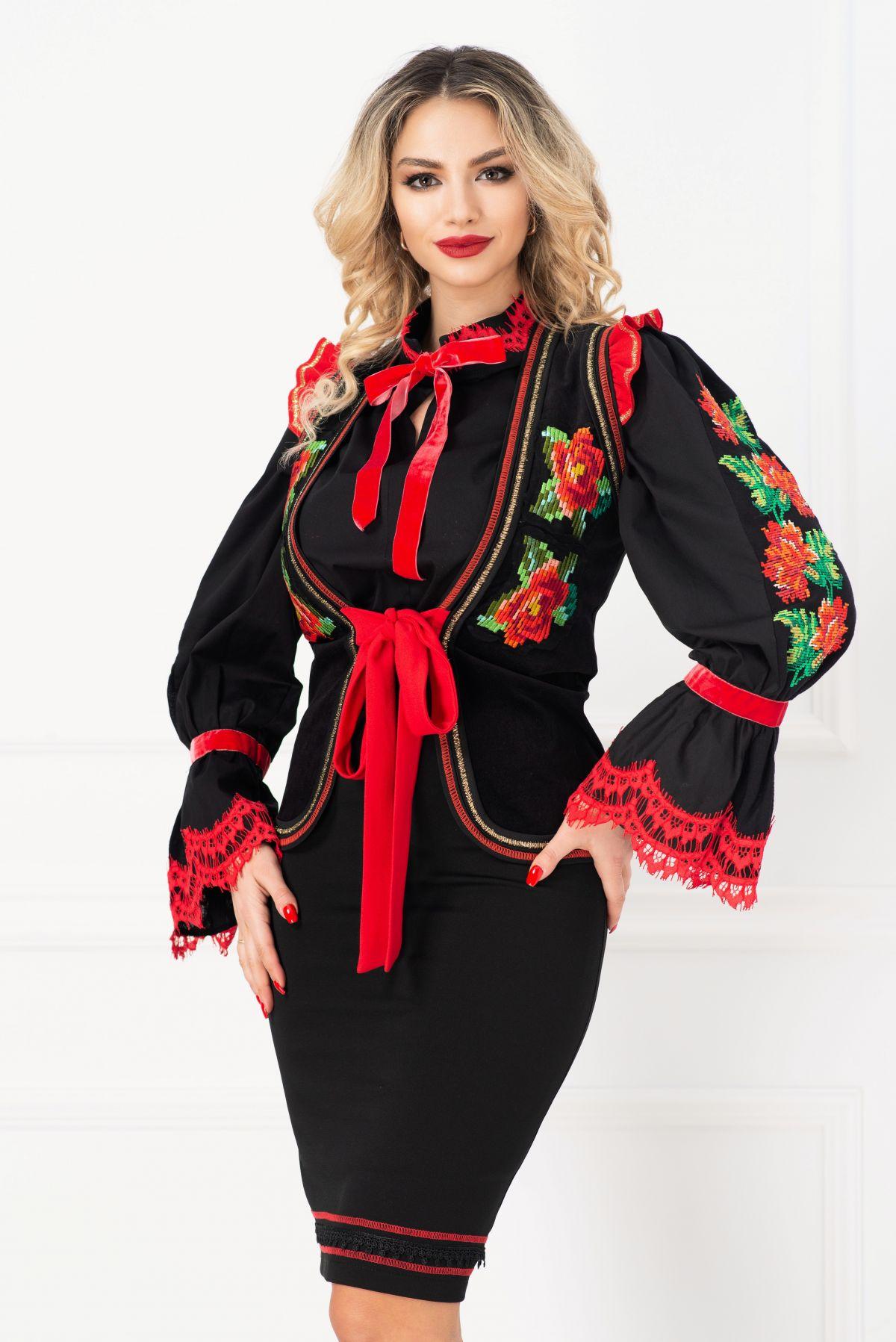 Vesta traditionala brodata cu volanase rosii la umeri
