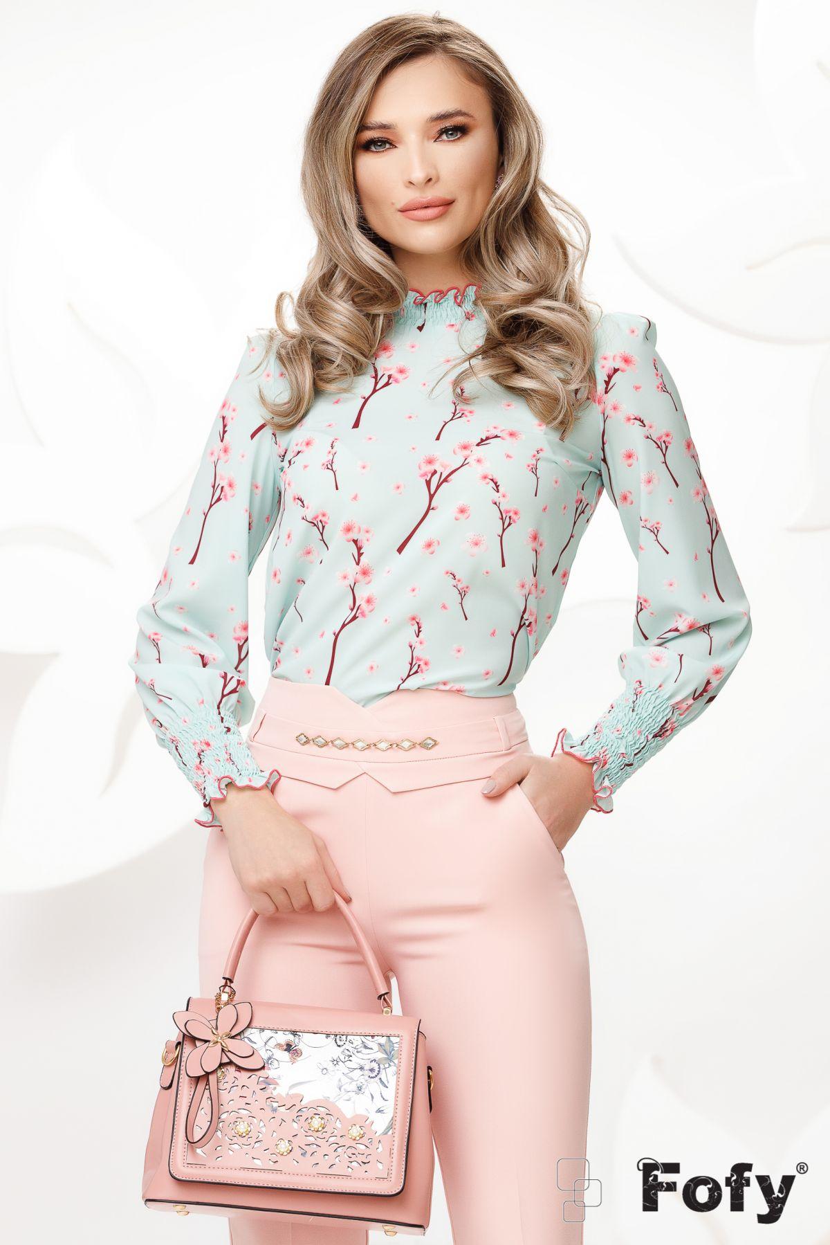 Bluza Fofy din voal mint cu imprimeu flori de cires si mansete incretite