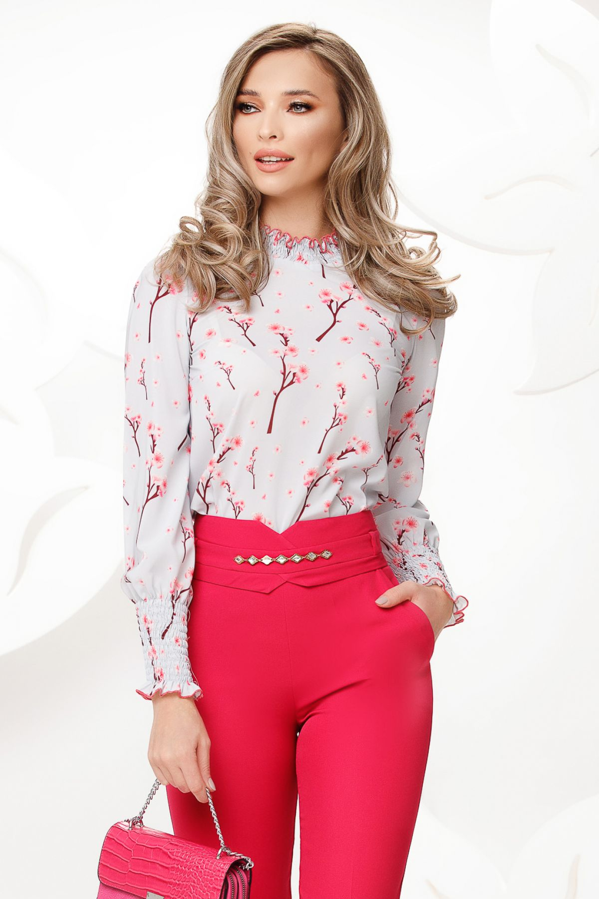 Bluza Fofy din voal gri cu imprimeu flori de cires si mansete incretite