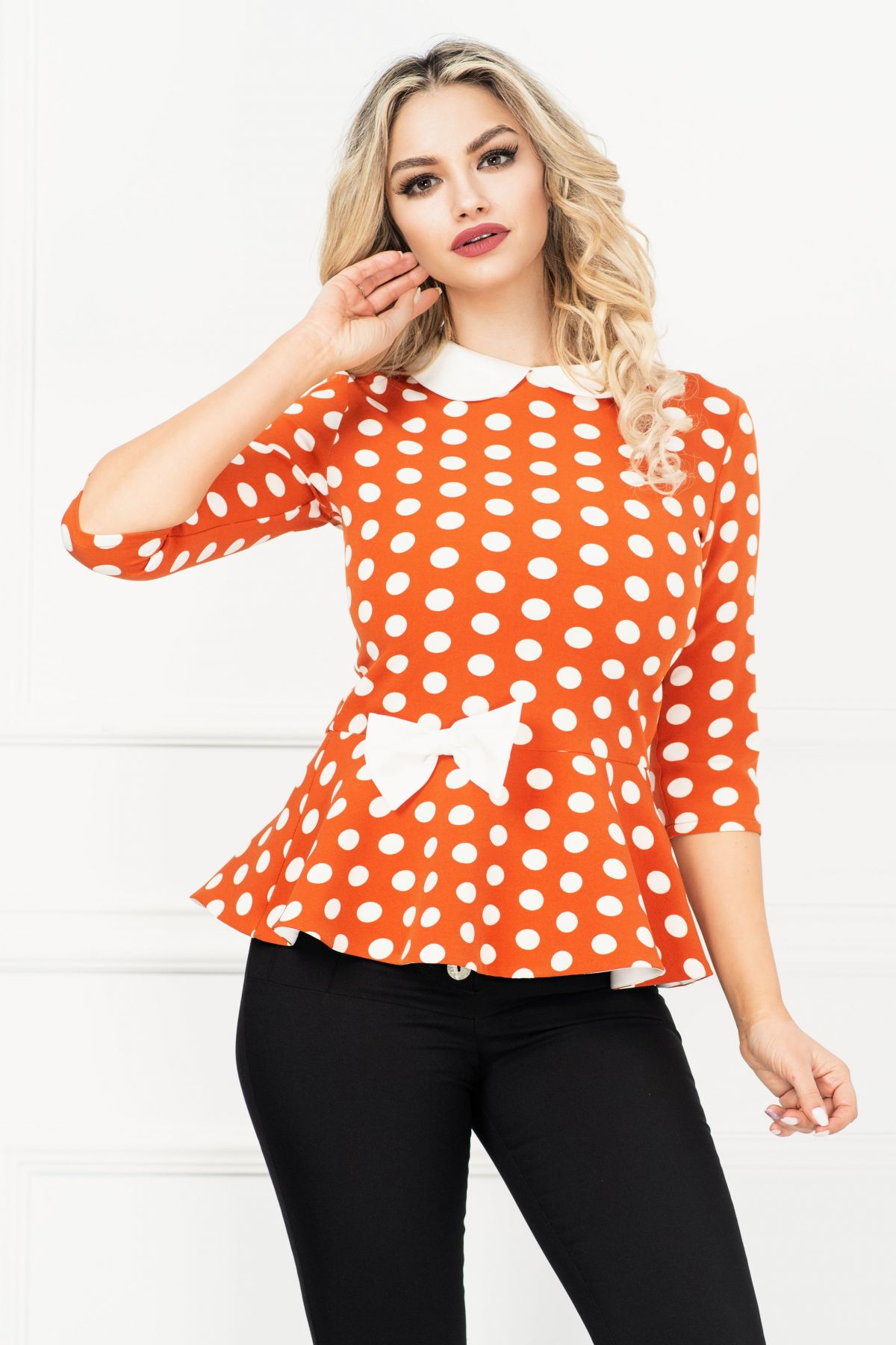 Bluza InPuff caramizie cu buline si peplum cu funda ecru in talie