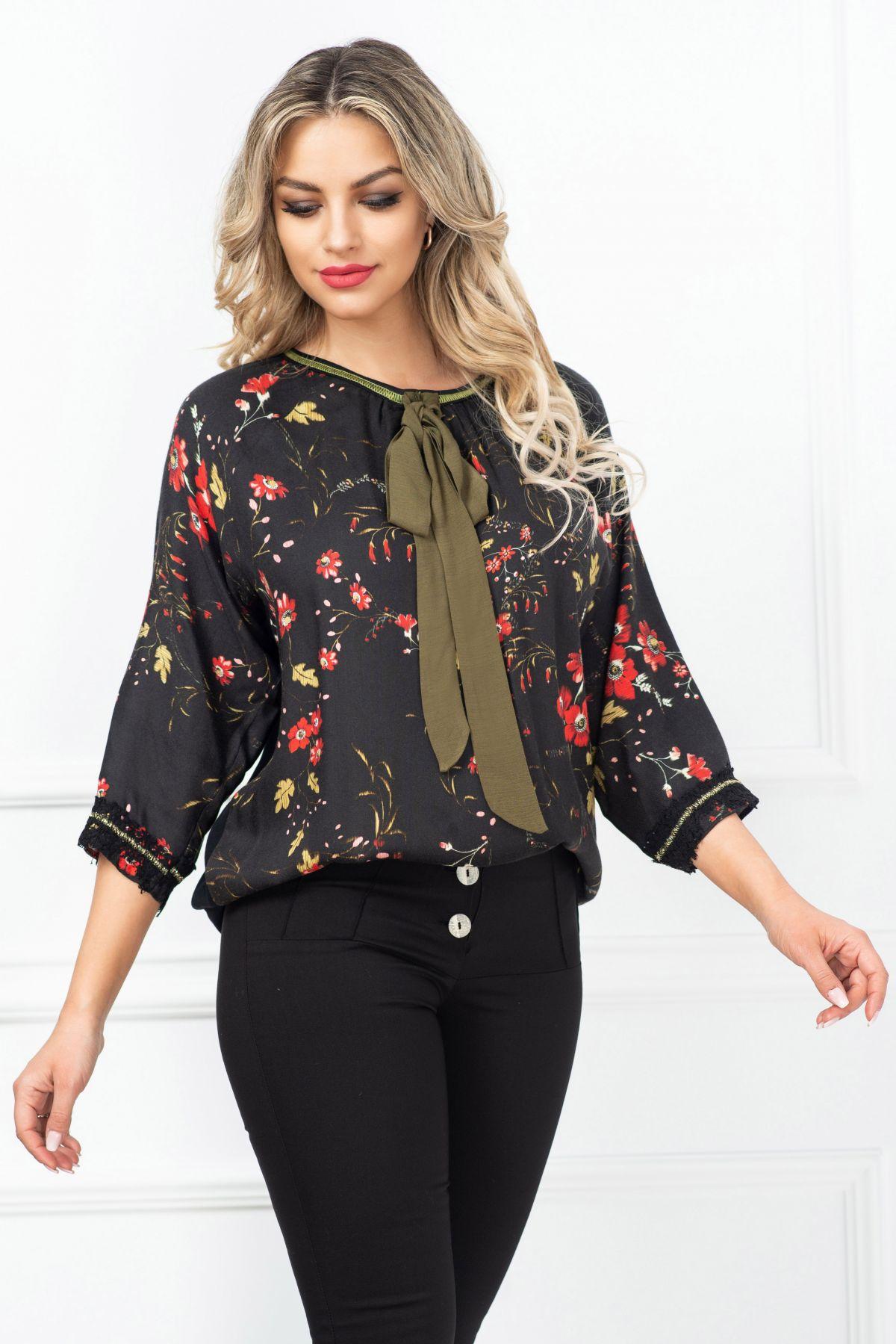 Bluza dama Venezia neagra cu imprimeu floral si funda kaki