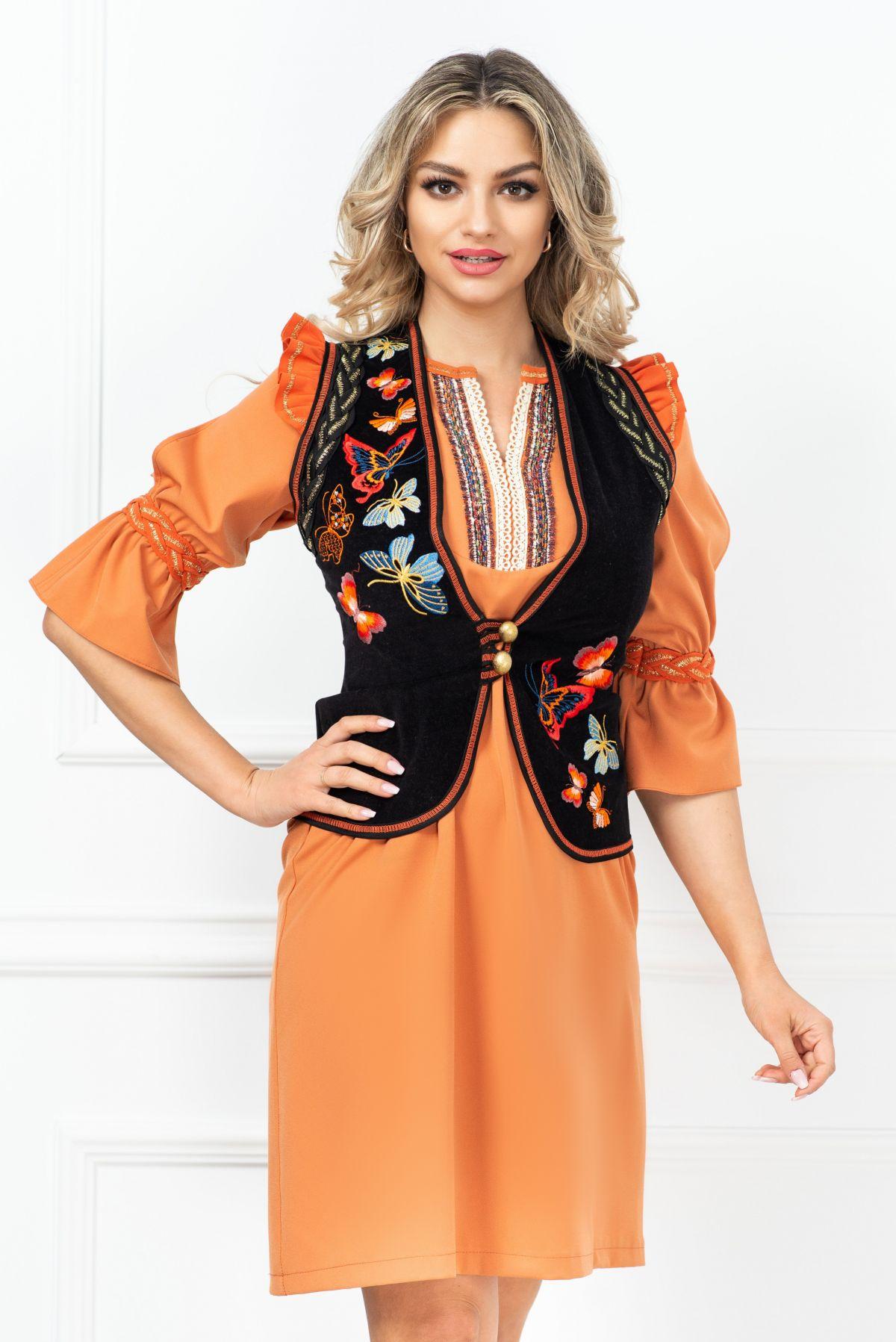 Vesta Venezia traditionala cu fluturi orange brodati si volane la umeri