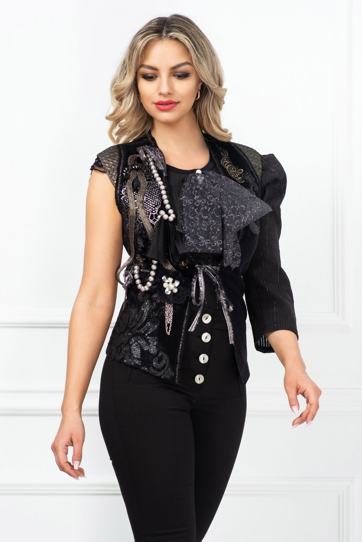 Vesta dama Venezia neagra romantic vintage cu aplicatii pretioase