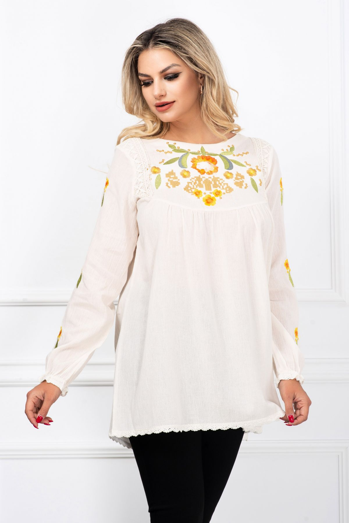 Bluza tip ie lunga traditionala ivoire cu broderie florala By InPuff