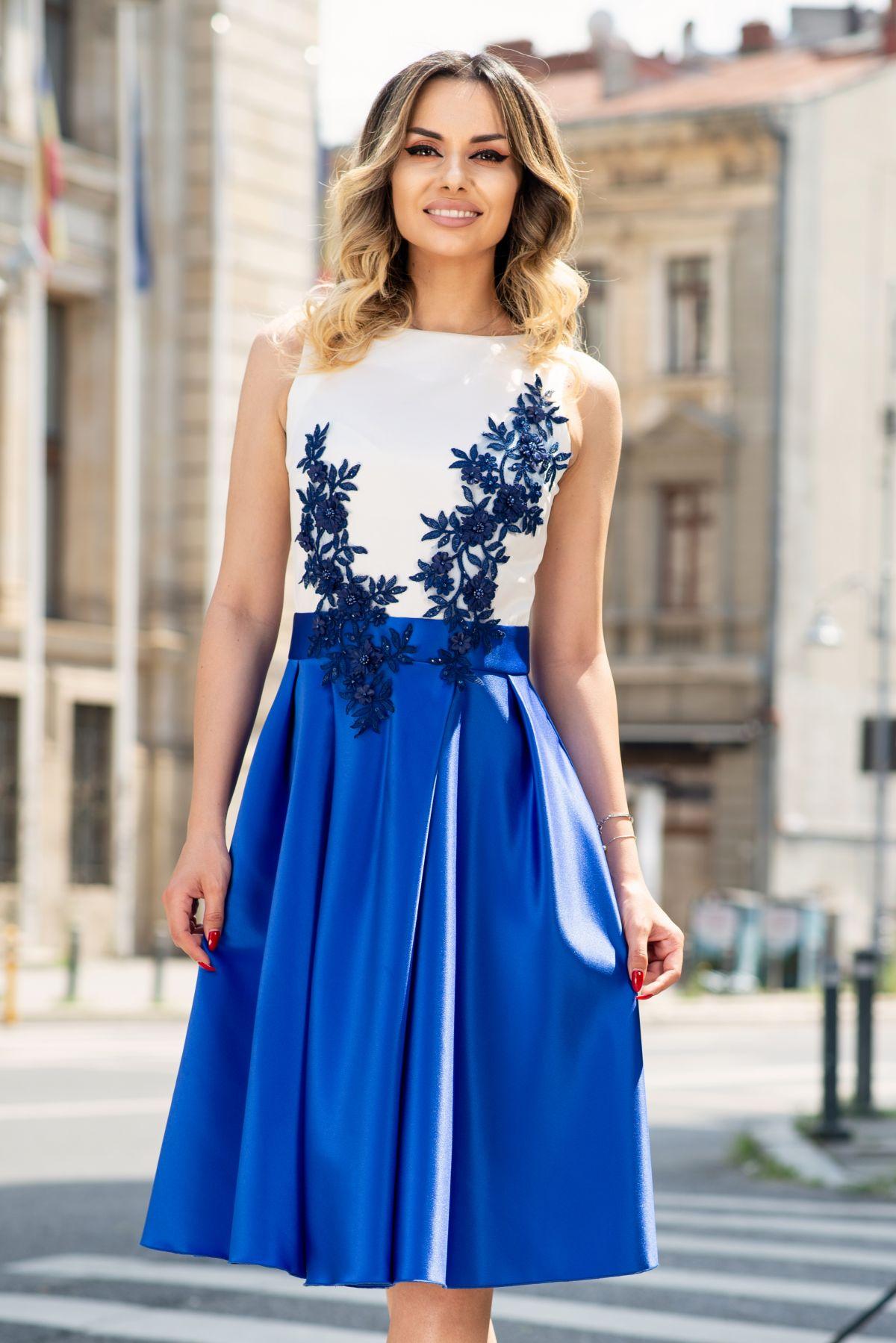 Rochie de ocazie eleganta InPuff in clos cu broderie aplicata albastru royal