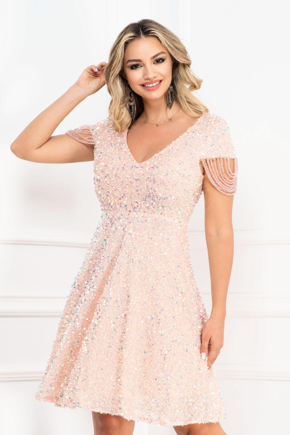 Rochie de seara eleganta in clos InPuff cu paiete rose si margelute pe maneca