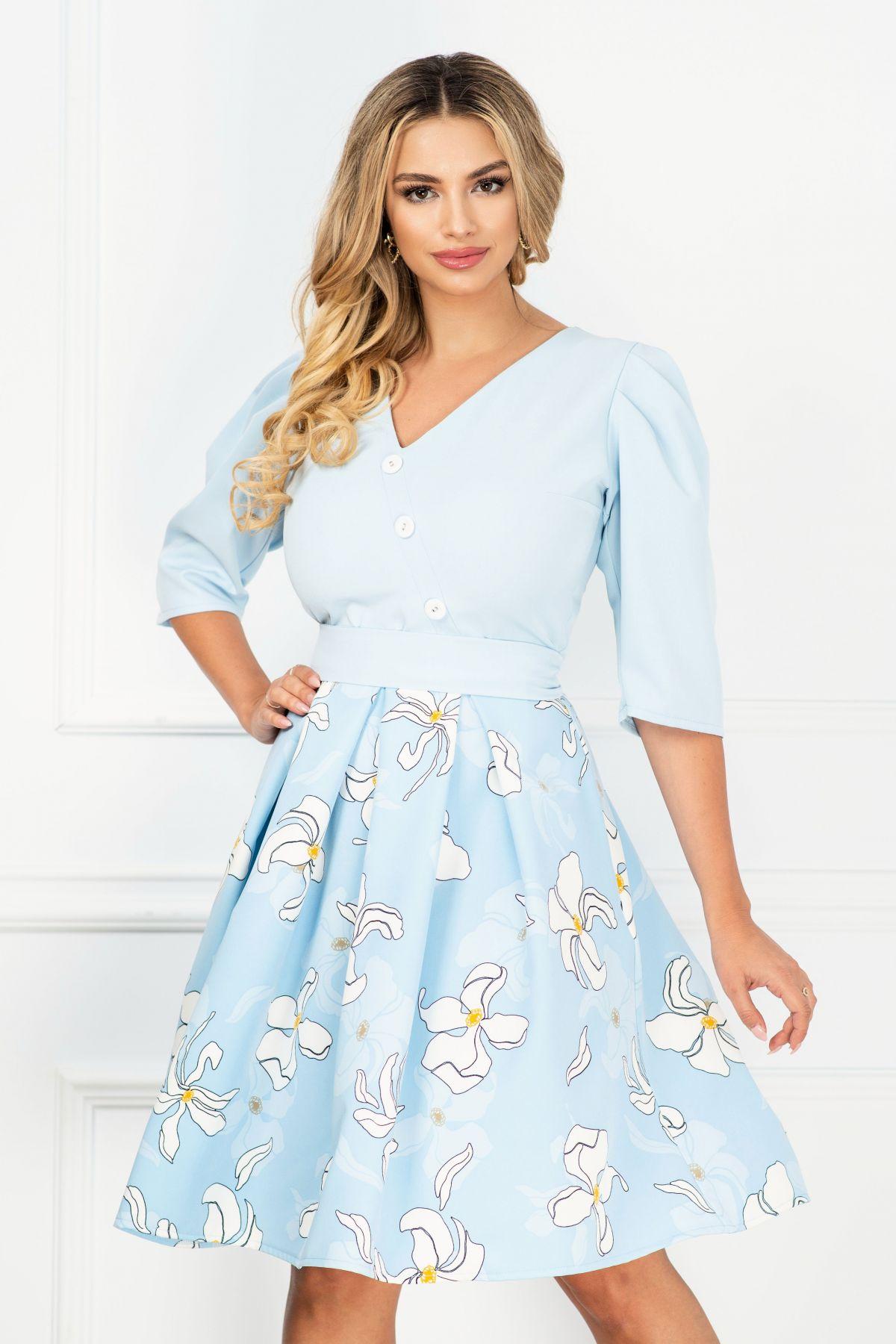 Rochie de zi bleu ciel cu imprimeu floral si nasturi decorativi