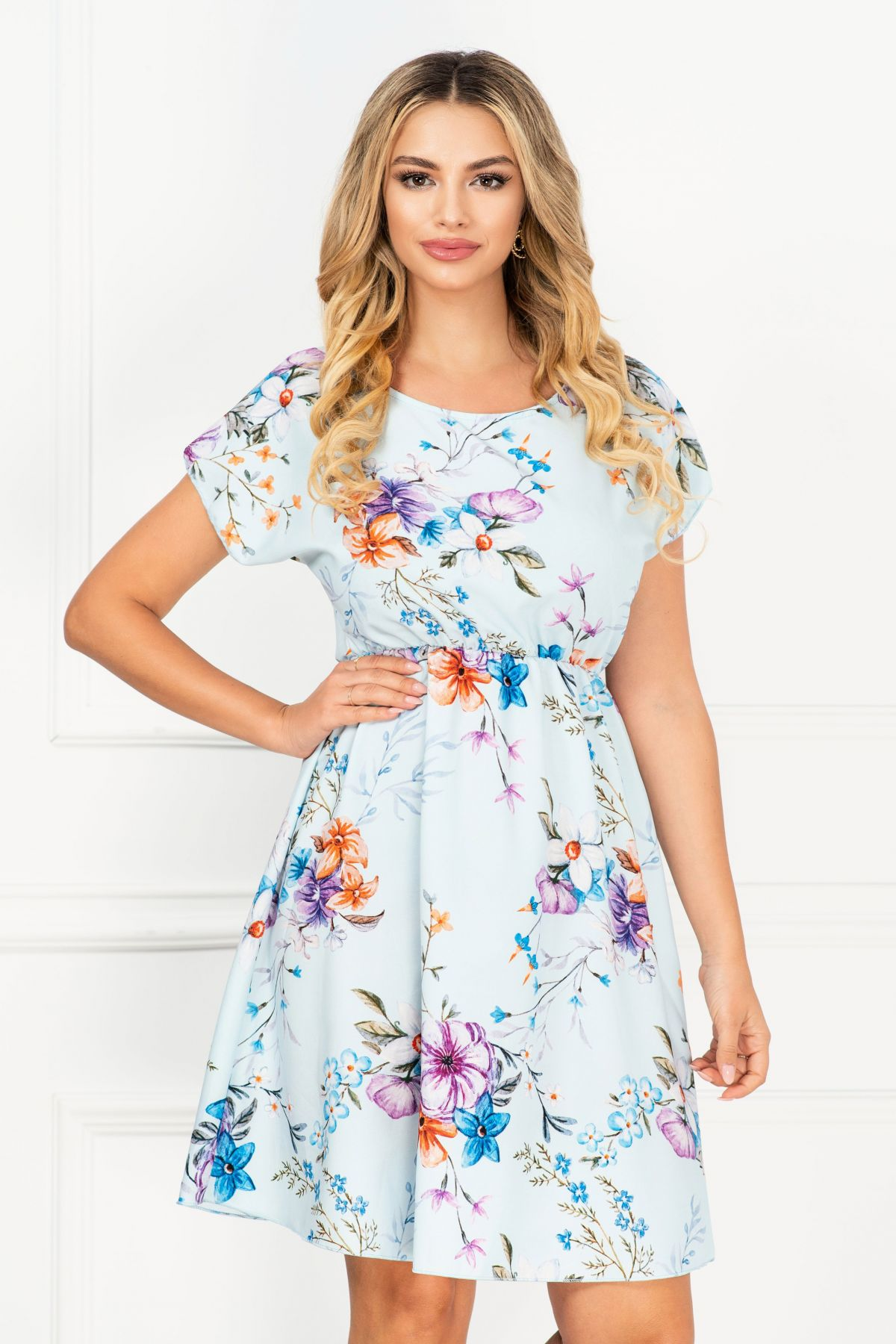 Rochie bleu ciel de vara vaporoasa cu print floral