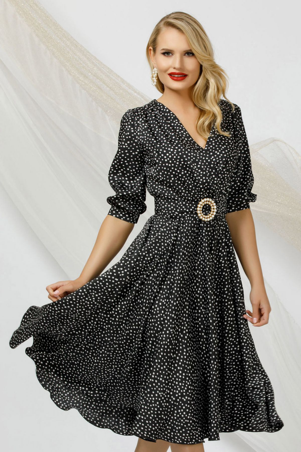 Rochie eleganta Pretty Girl neagra cu buline marunte si catarama