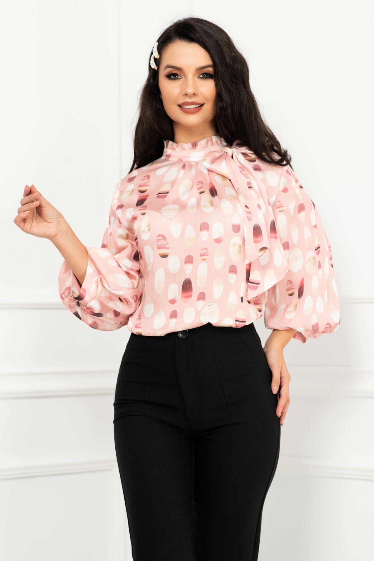 Bluza eleganta roz satinata cu maneca gogosar si print buline