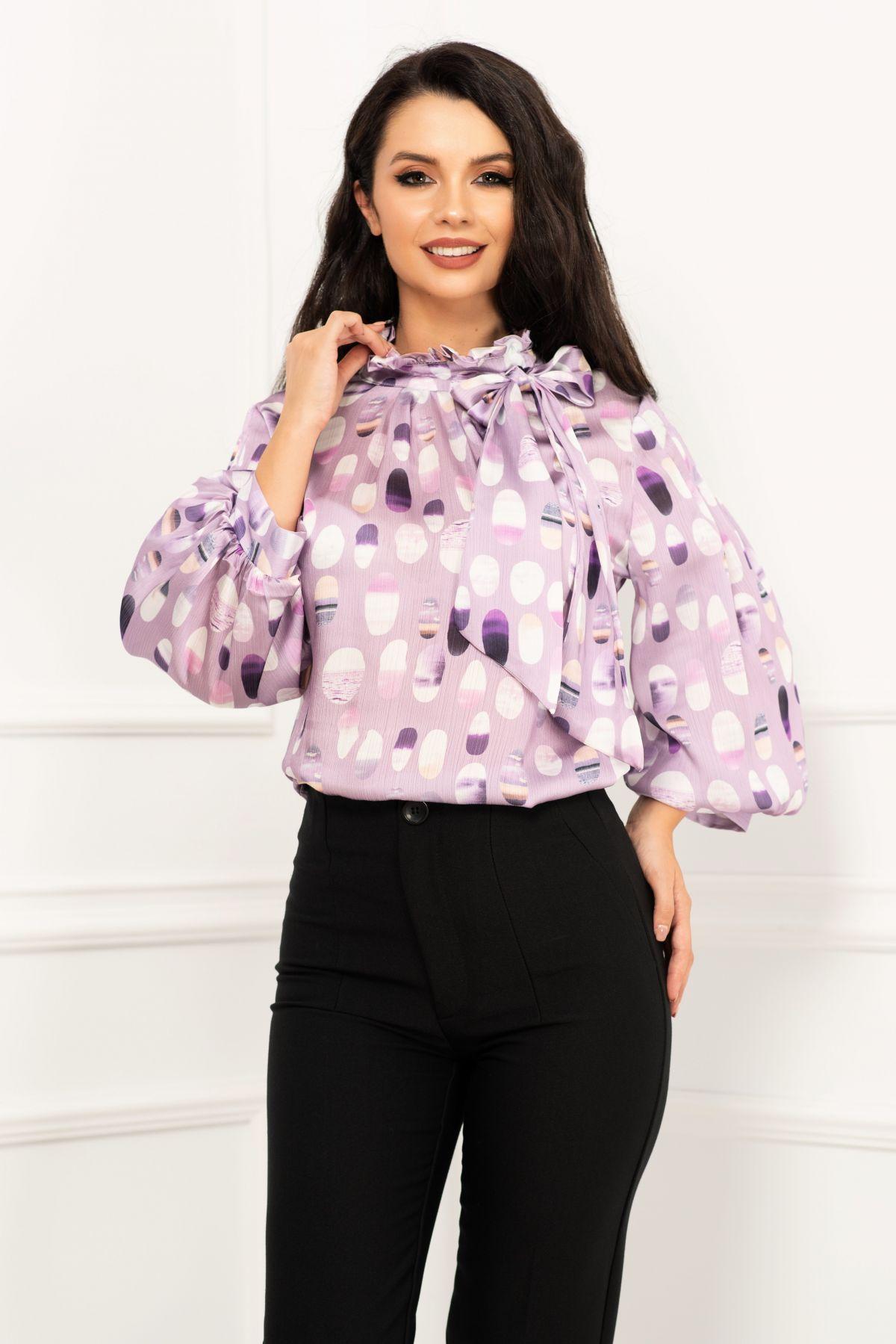 Bluza eleganta lila satinata cu maneca gogosar si print buline