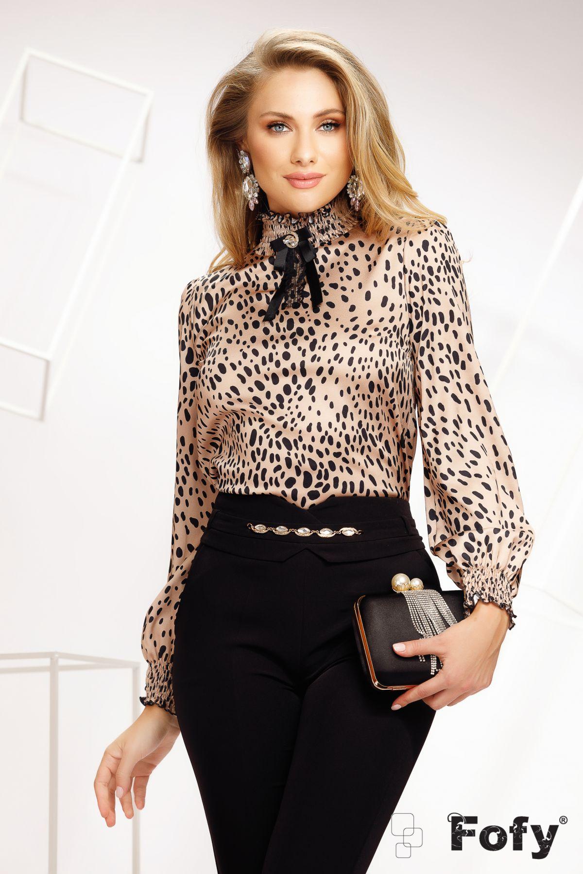 Bluza Fofy eleganta din voal cu animal print si mansete incretite