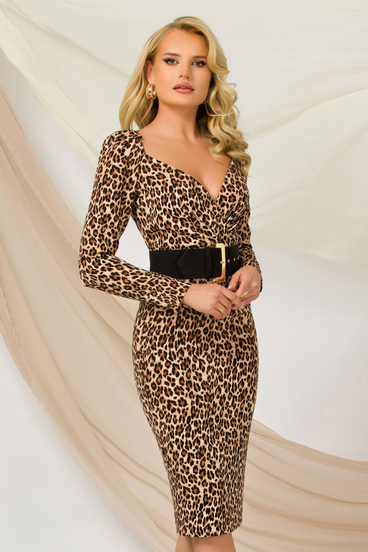 Rochie tip creion Pretty Girl de birou cu decolteu tip inima si print leopard
