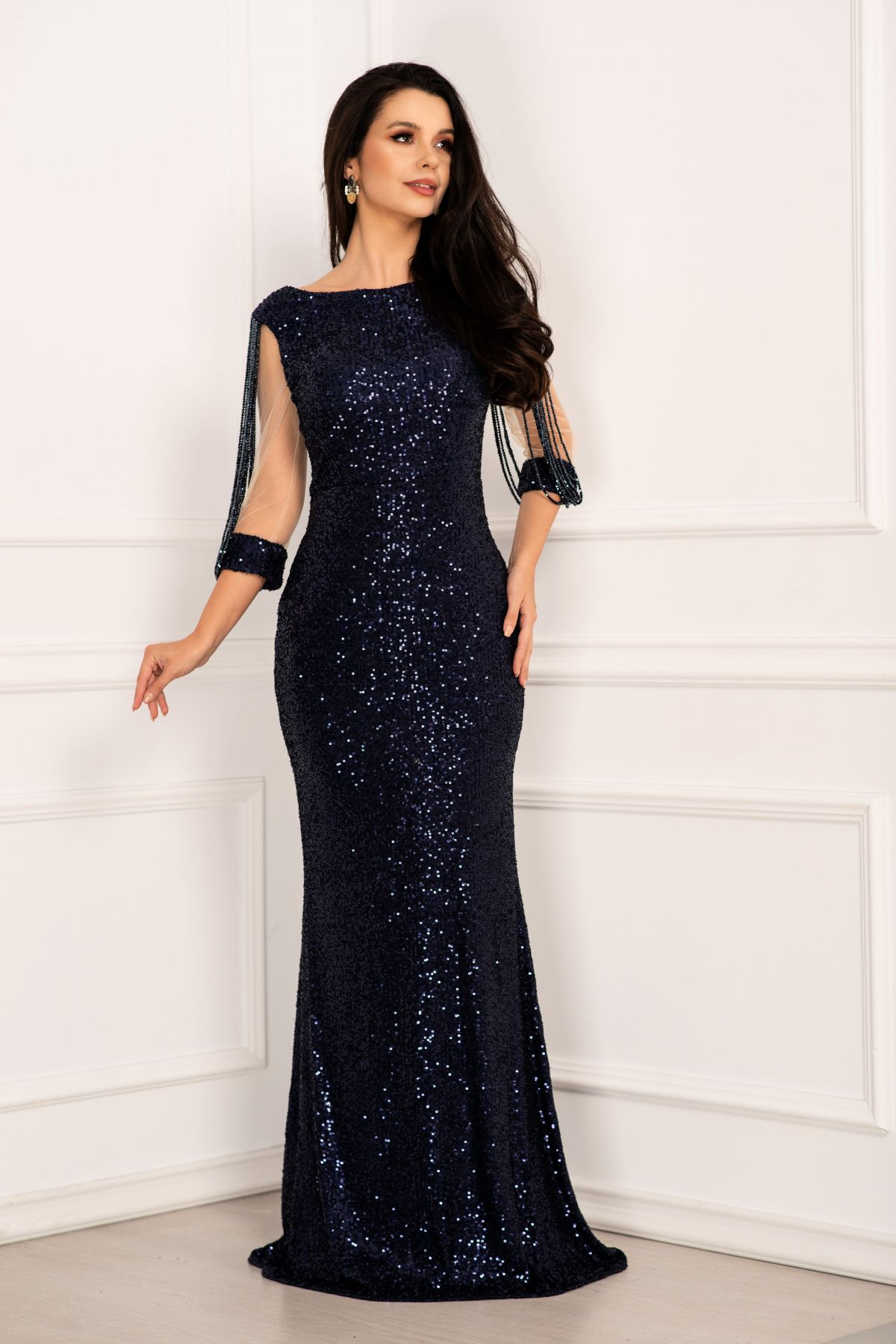 Rochie de seara eleganta din paiete tip sirena bleumarin cu margele pe maneci