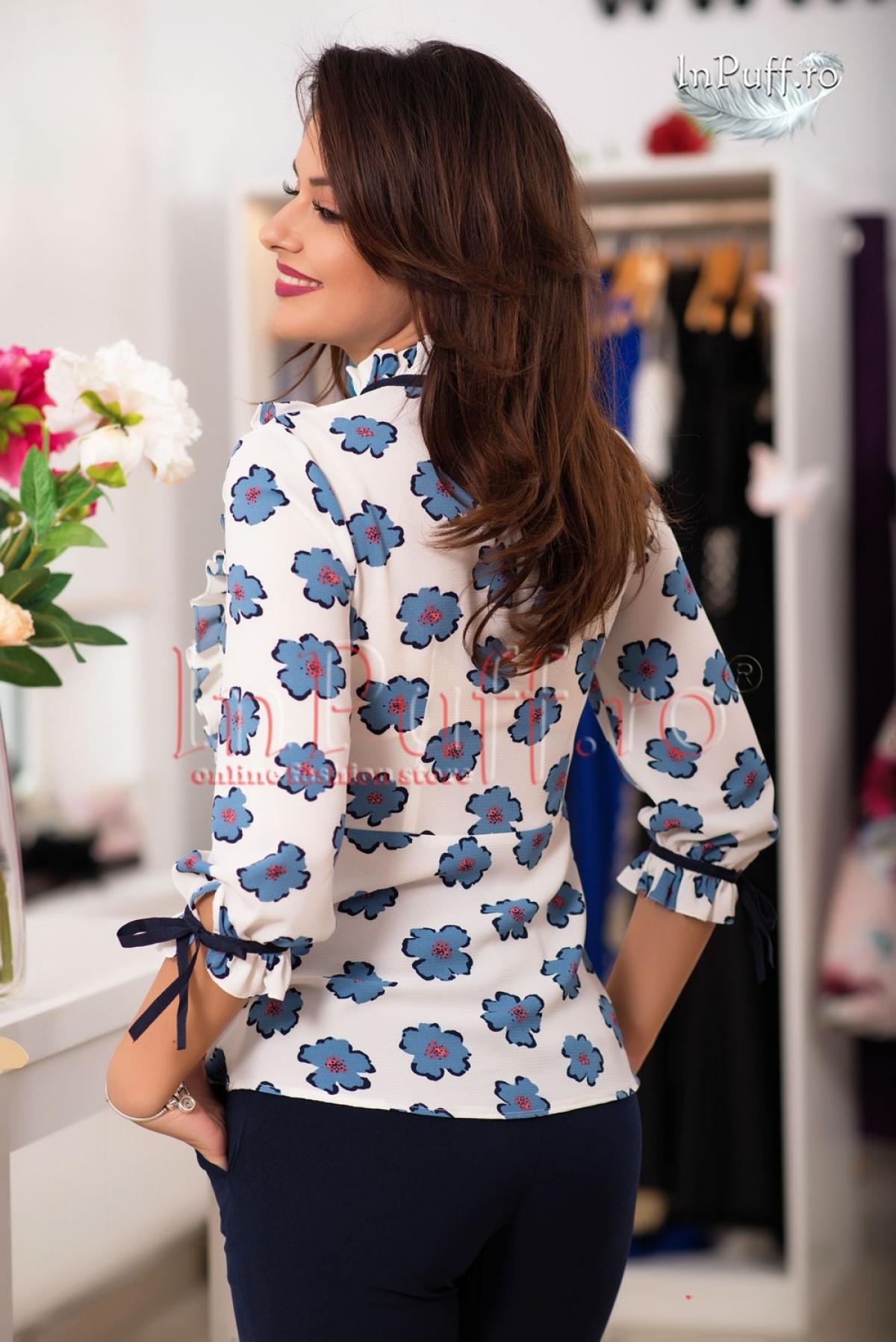 Bluza dama cu floricele bleu