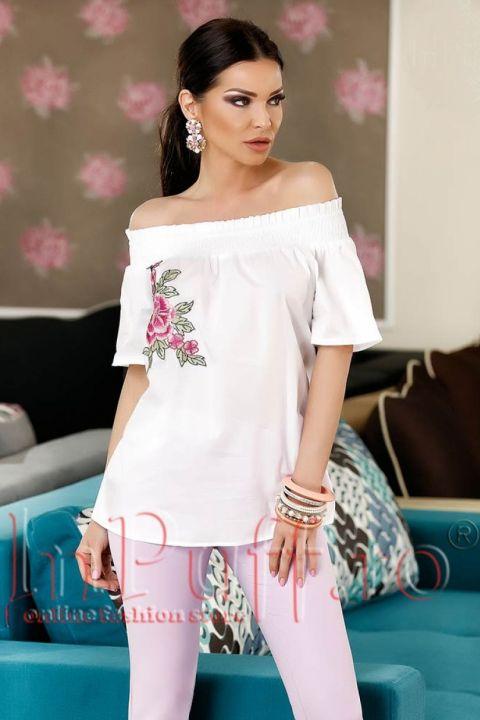 Bluza alba cu broderie florala si elastic