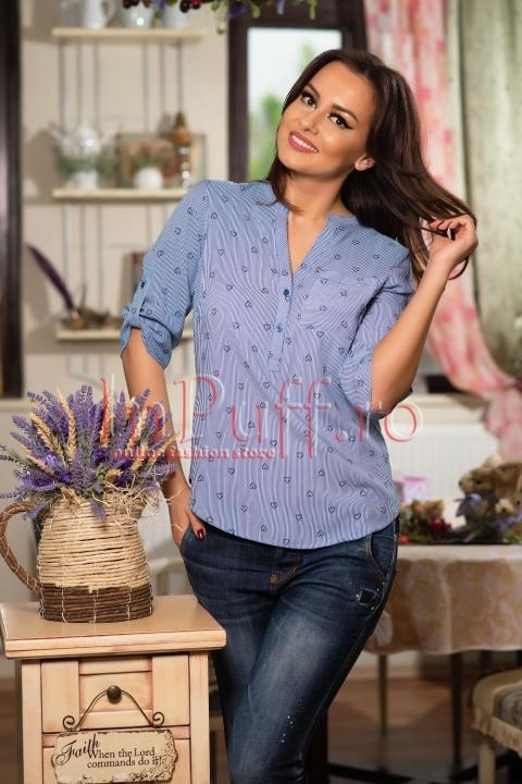 Bluza bleu cu dungi si imprimeu inimioare