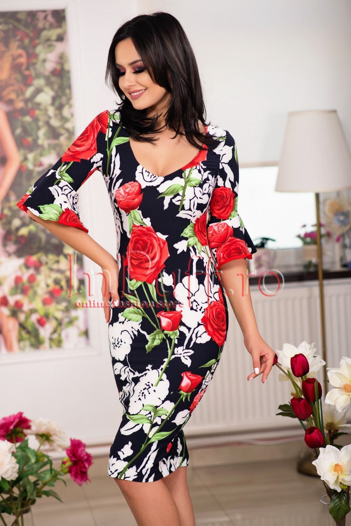 Rochie midi bleumarin cu imprimeu trandafiri