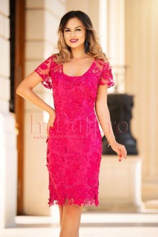 Rochie midi eleganta cu dantela roz 3D