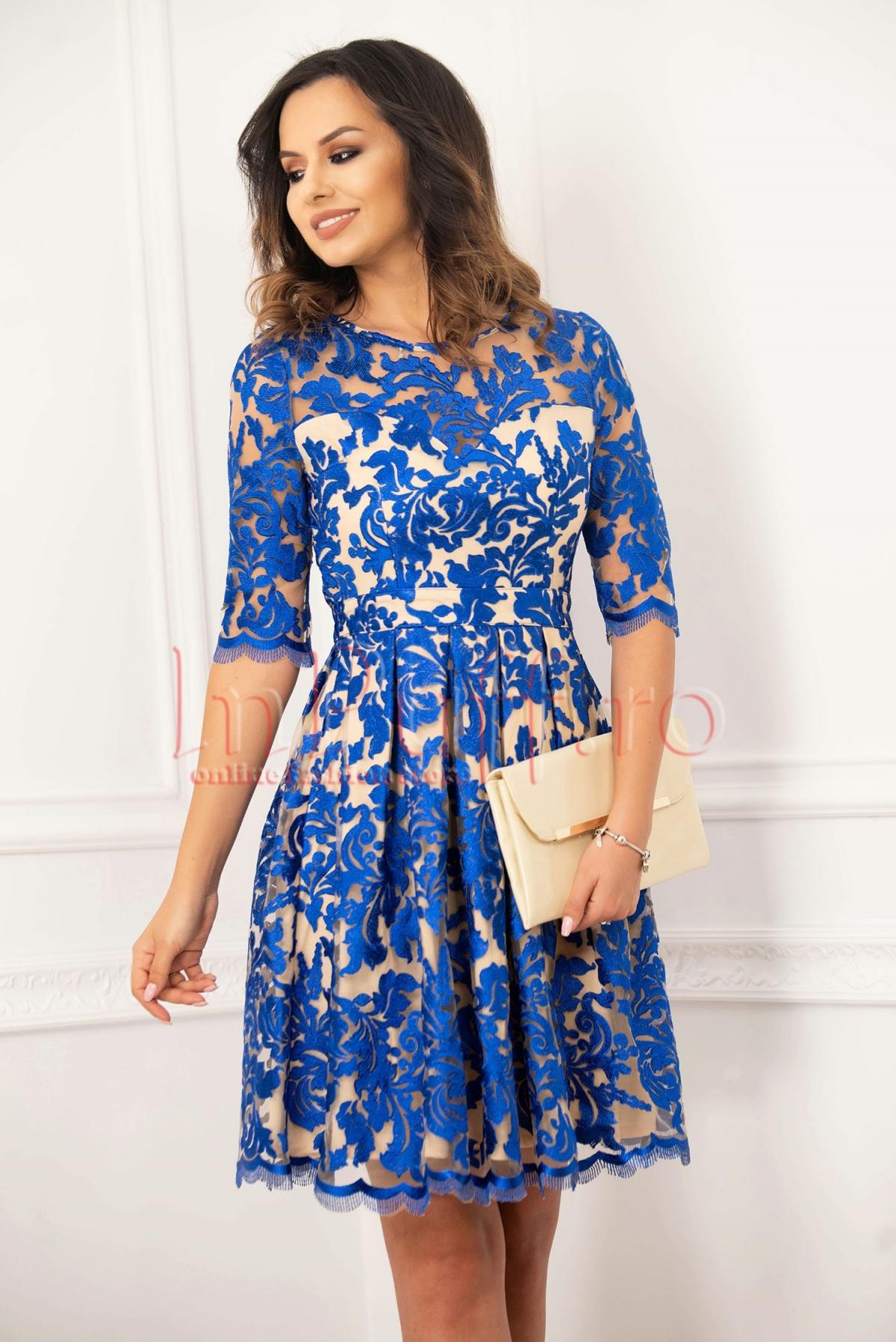 Rochie de ocazie bej cu dantela albastra